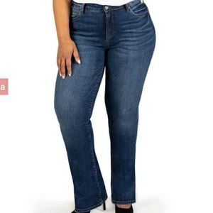 Kut from the kloth Natalie bootcut stretch jeans